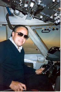 Flying_-_Captain_Tom_Scott_-_B747_AS
