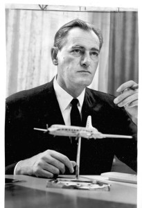 [FILE PHOTO -- Aug. 31, 1967 -- Wayne Hoffman, the longtime chairman of the Flying Tiger and Tiger International air freight lines that were eventually sold to FedEx, has died in Indian Wells. He was 89. (LAT Photo by Ben Olender ).] *** []